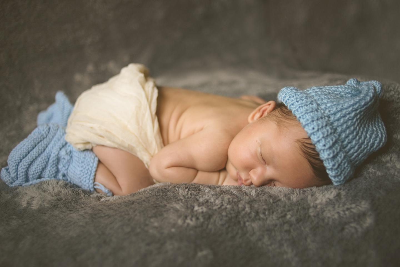 little-mario-newborn-shoot-0018.jpg