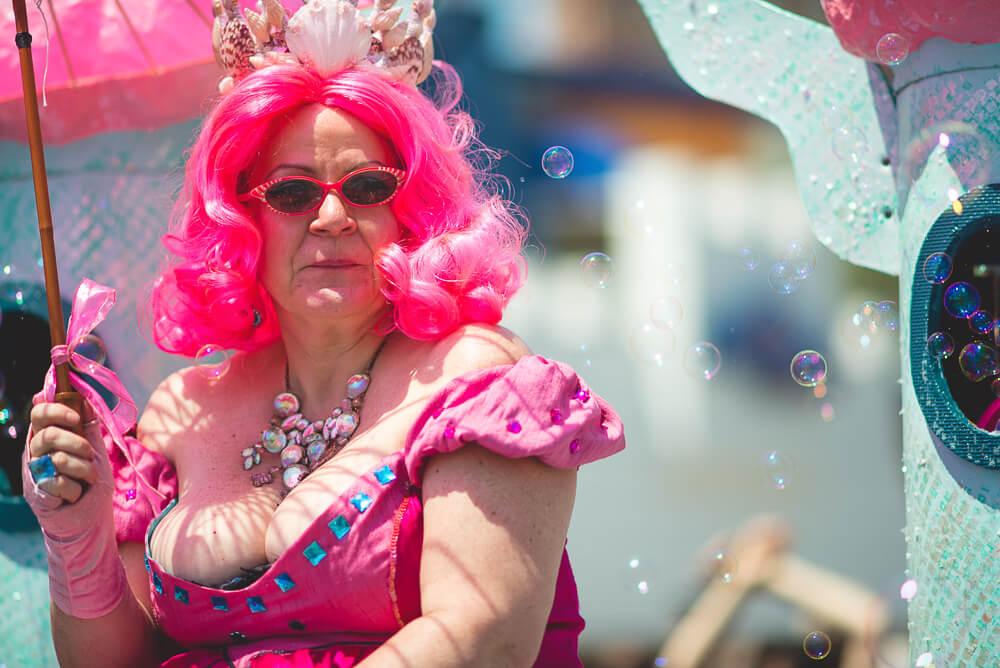 Coney_Island_Mermaid_parade-054.jpg
