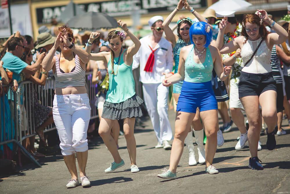 Coney_Island_Mermaid_parade-060.jpg