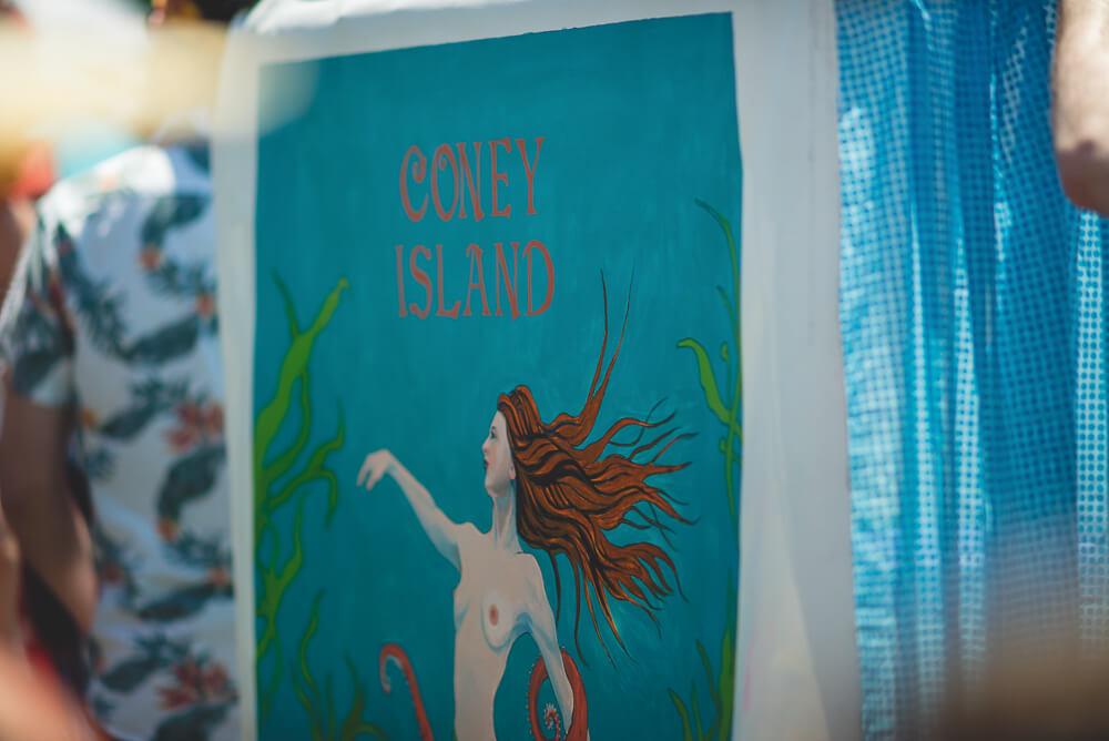 Coney_Island_Mermaid_parade-064.jpg