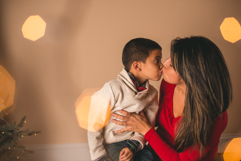 josh_mathew_holiday_mini_sessions_long_island_photography-0037.jpg