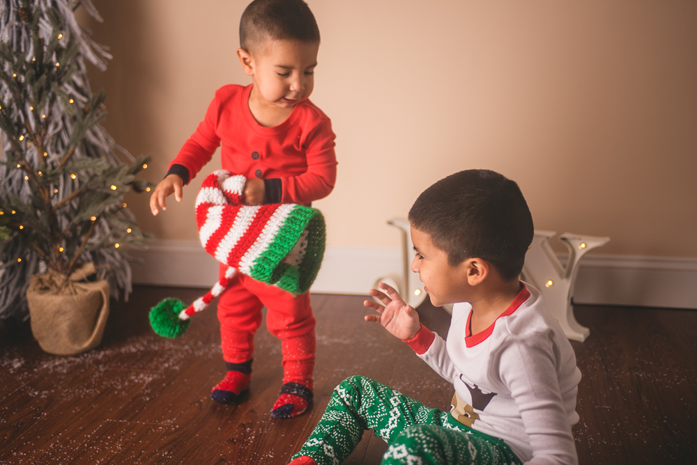 josh_mathew_holiday_mini_sessions_long_island_photography-0039.jpg