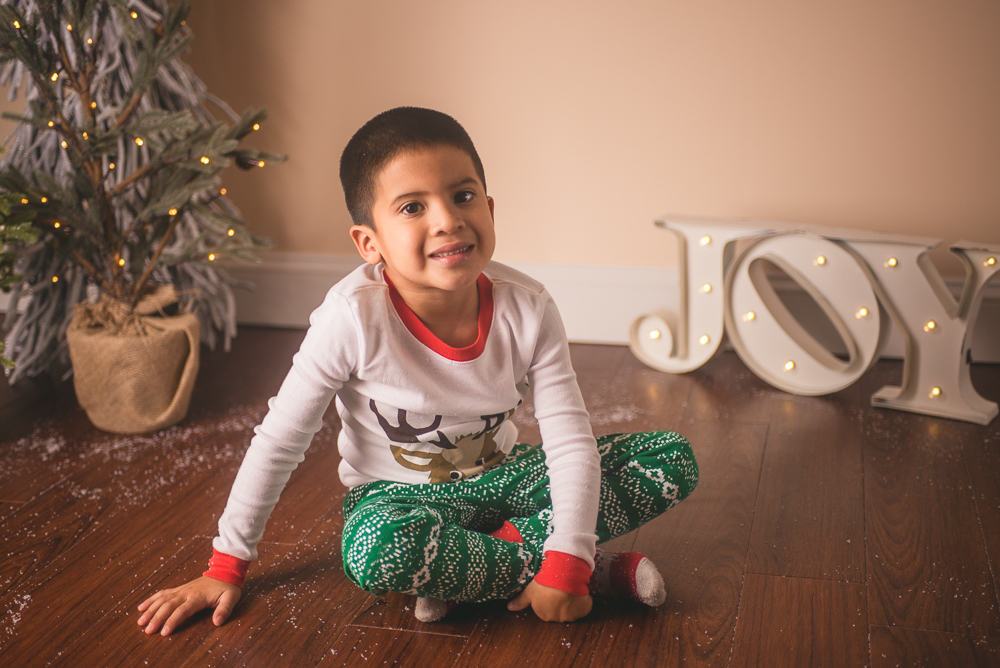 josh_mathew_holiday_mini_sessions_long_island_photography-0040.jpg