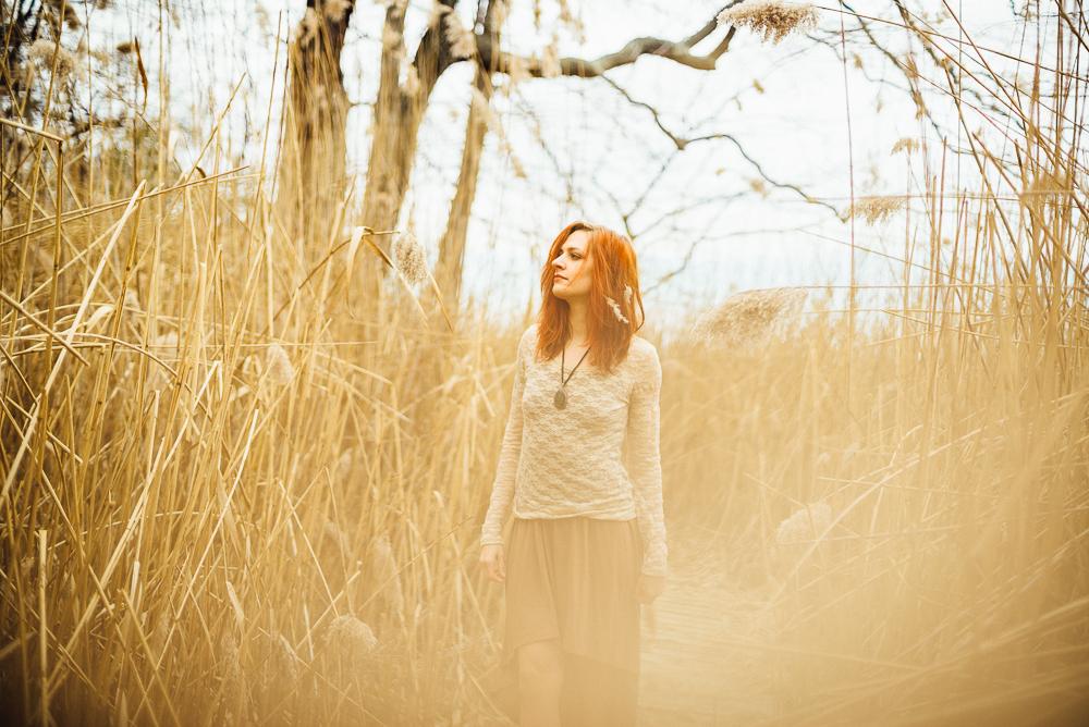 victoria_styled_shoot_wading_river_ny_winter_lake_woods_long_island_portrait_photographer-007.jpg