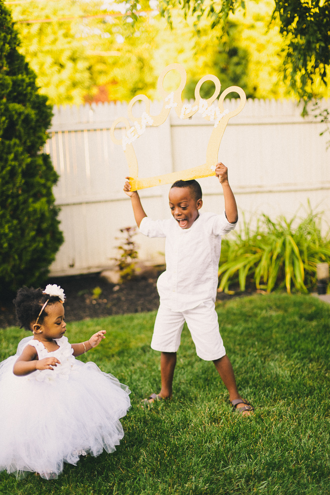 Aela_first_birthday_photography_long_island_ny_photographer_baby_lifestyle_backyard_sibling_photography-2.jpg