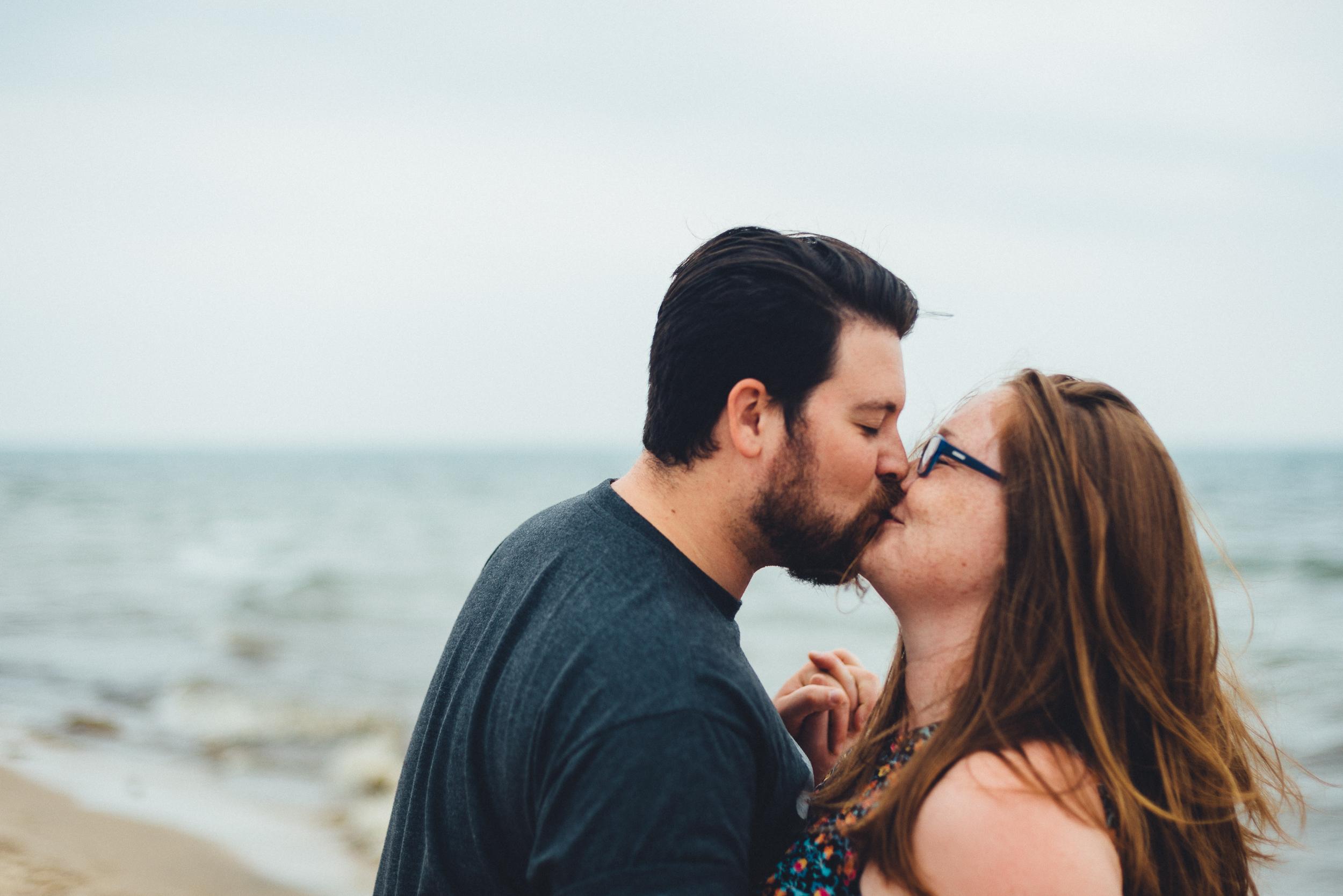 beach_couple_photography_engagment_love_long_island_photographer-19.jpg