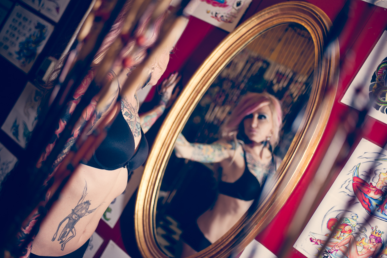 jenny-sunshine-ny-long-island-portrait-tattoo-model-boudoir-mirror-commercial-photography-tattoo-art-0002.jpg