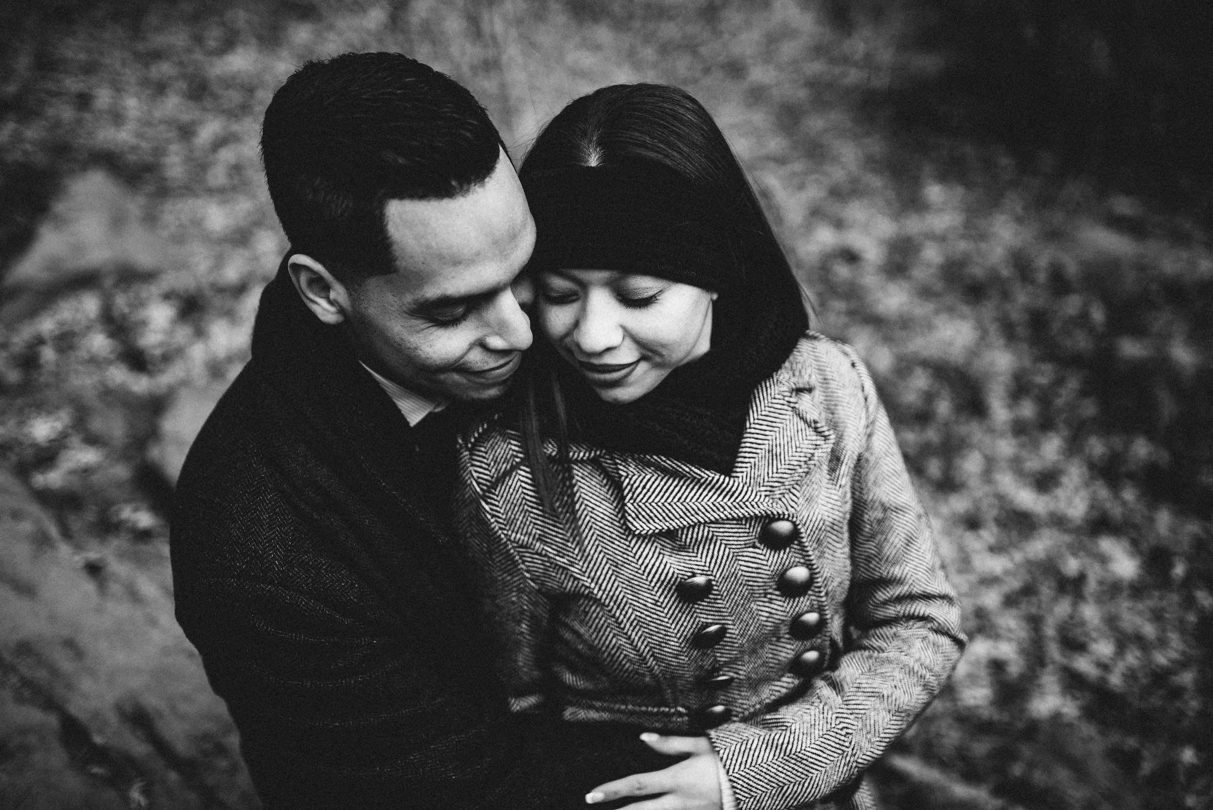 moody-couple-photography-engagement-central-park.jpg