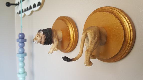 LION COAT RACK
