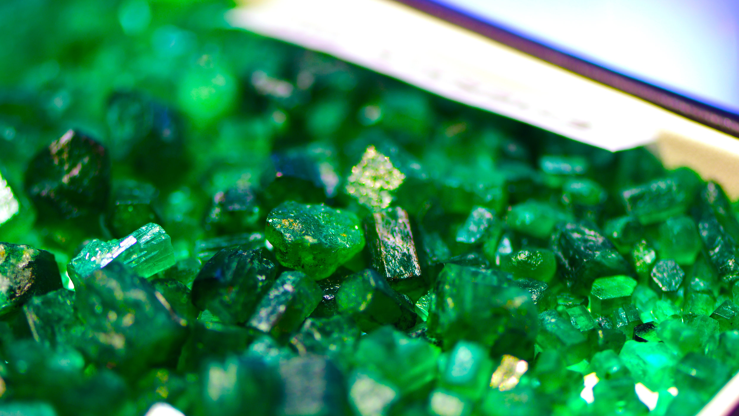 Swat Emerald in Matrix