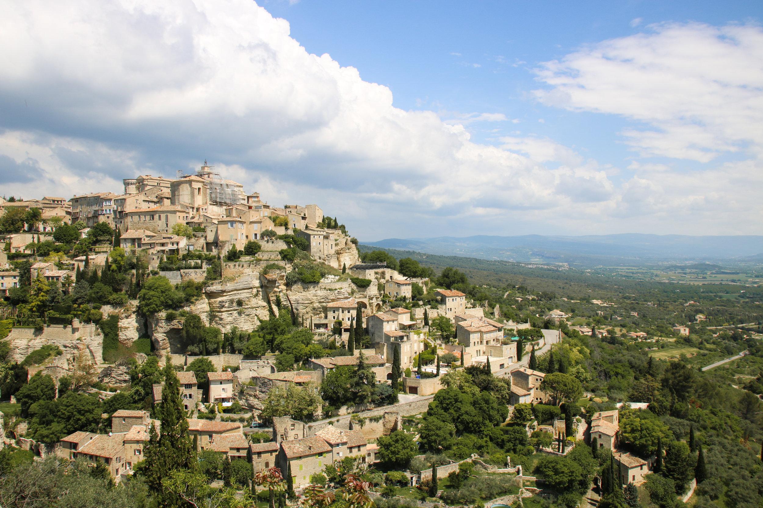 Gordes. Where to visit in the Luberon. Across Land & Sea