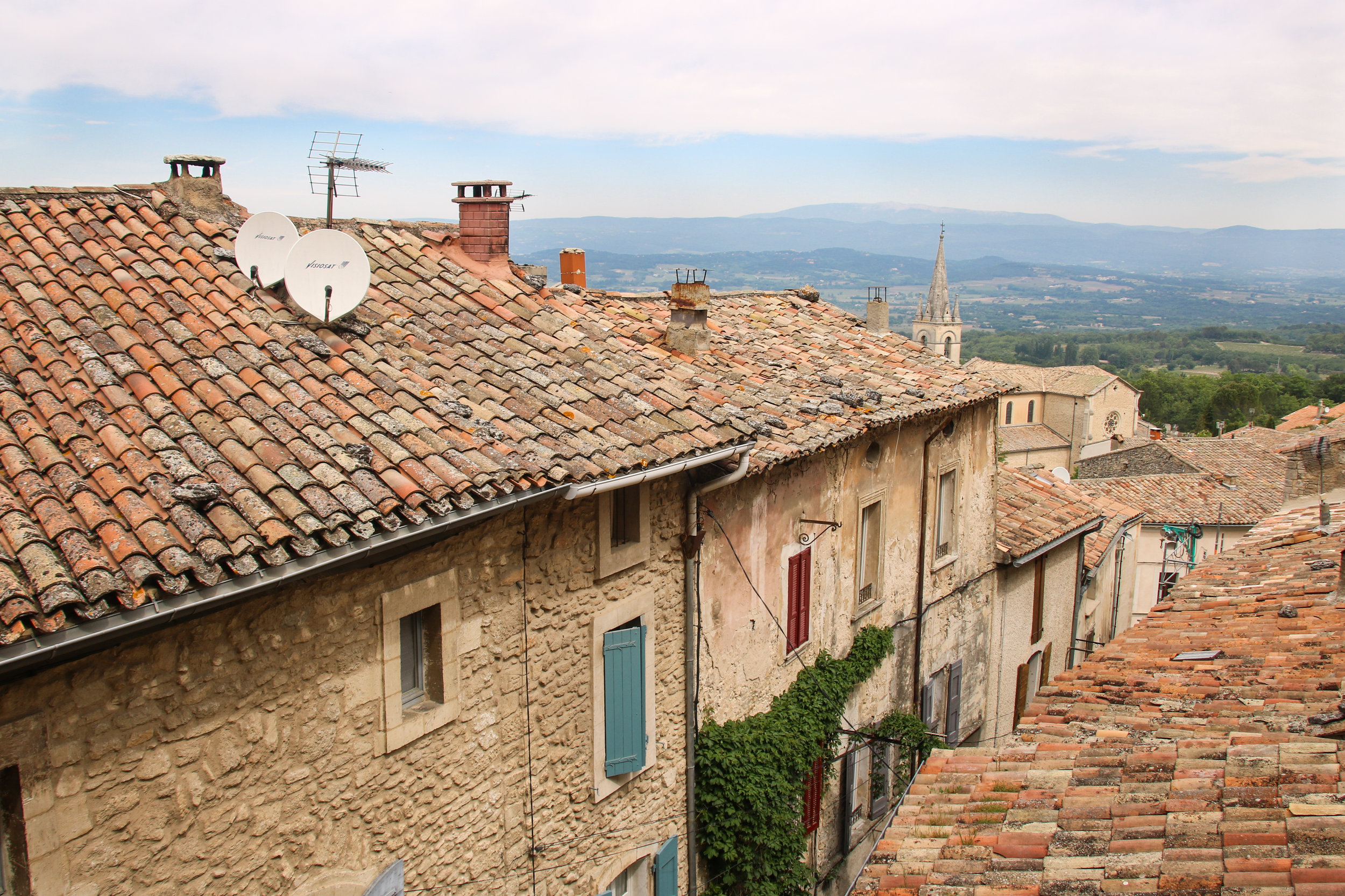 Bonnieux. Where to visit in the Luberon. Across Land & Sea