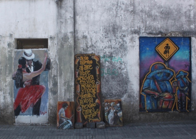 We saw art like this along the sides of lots of buildings ...