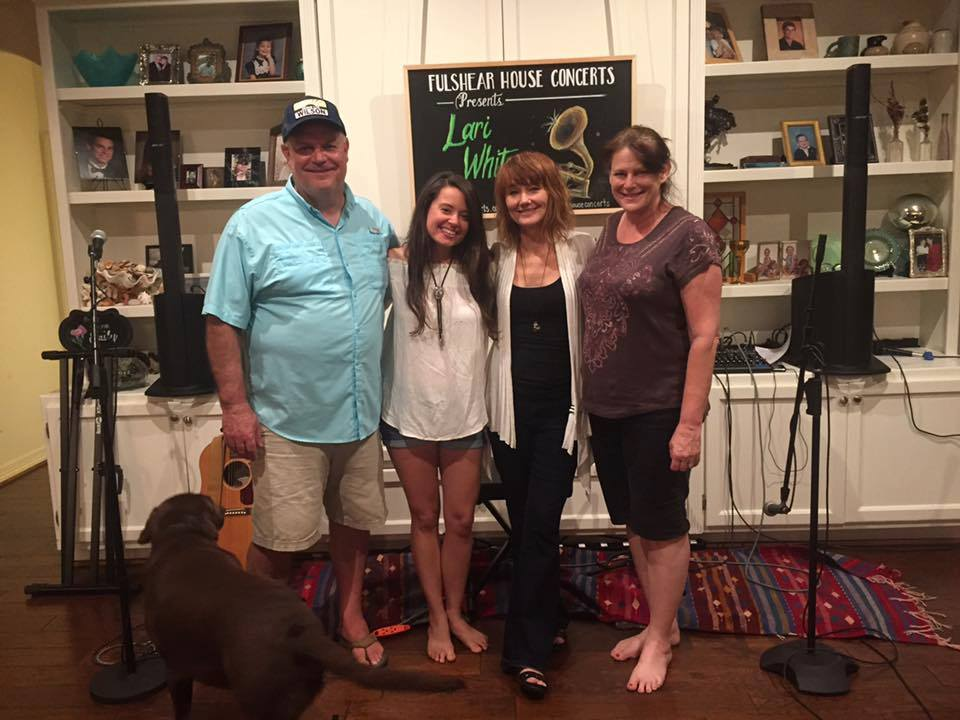 Fulshear House Concert hosts Scott and Allison Witt flanking Lari and opening act Emily Robinson, June 2017