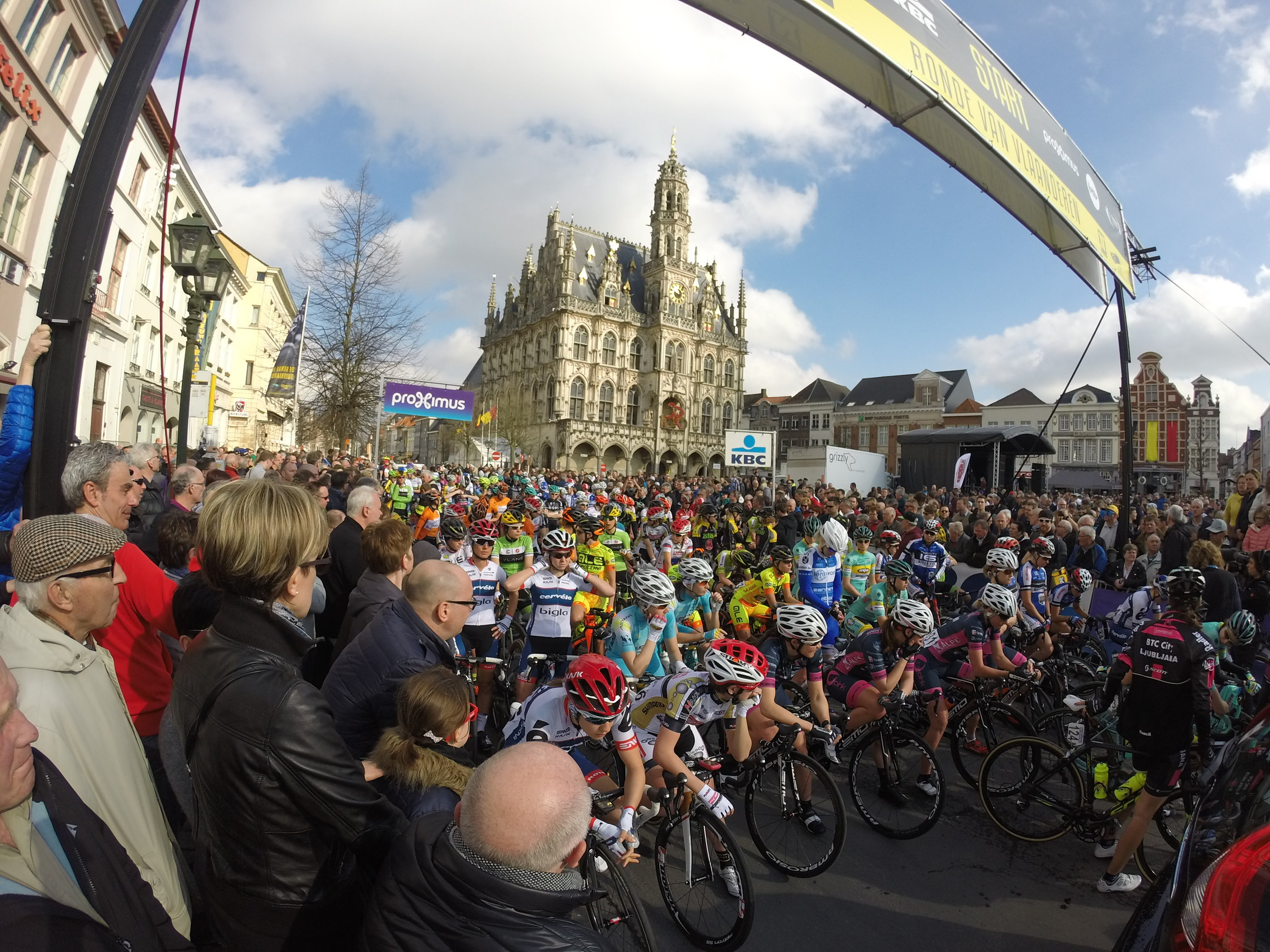 The start of the women's Ronde Van Vlandereen, Oudenaarde, Belgium. Photo by Ride HQ's Cal G, 2016.