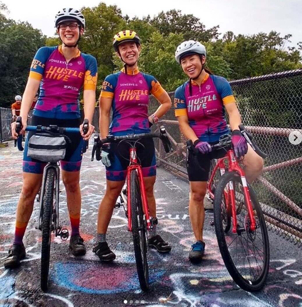 Team Hustle Hive took Dirty Vertigo to task on the photo contest. Not only do they color coordinate together, but they match the pavement, too!