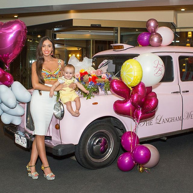 My favourite birthday surprise photo; with my little cheeky munchkin! A few days ago I was scared of how quickly the year had gone and didn't want to celebrate turning 28... though it has just ended up being a great reminder of how lucky I am to have such loving family and friends. Thank you all for your kind words 🥰🙌🏻😘🥂 Florals- @huntandstyleflorals 💐  Balloons- @blowoutballoons 🎈  Photography- @zed_photographyaus 📸