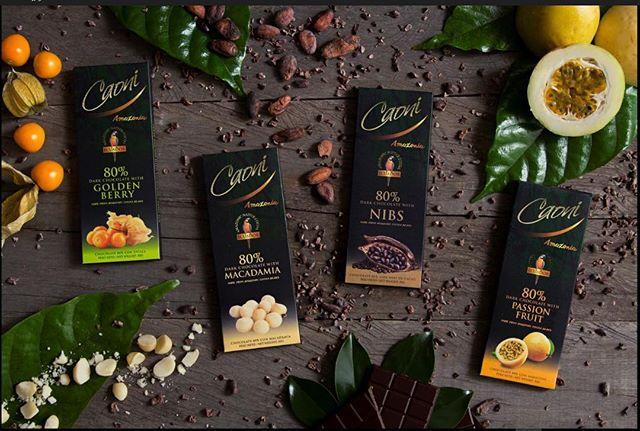 Nuestros chocolates 80% Amazonia son producidos con cacao Sacha, proveniente de la Provincia de Orellana. El cacao Sacha se caracteriza por excelente sabor frutal. No esperes más para probarlos en nuestras 4 variedades!  #caonichocolate #ecuadorianchocolate #darkchocolate #80%darkchocolate #handmadechocolate #premiumchocolate #ecuador