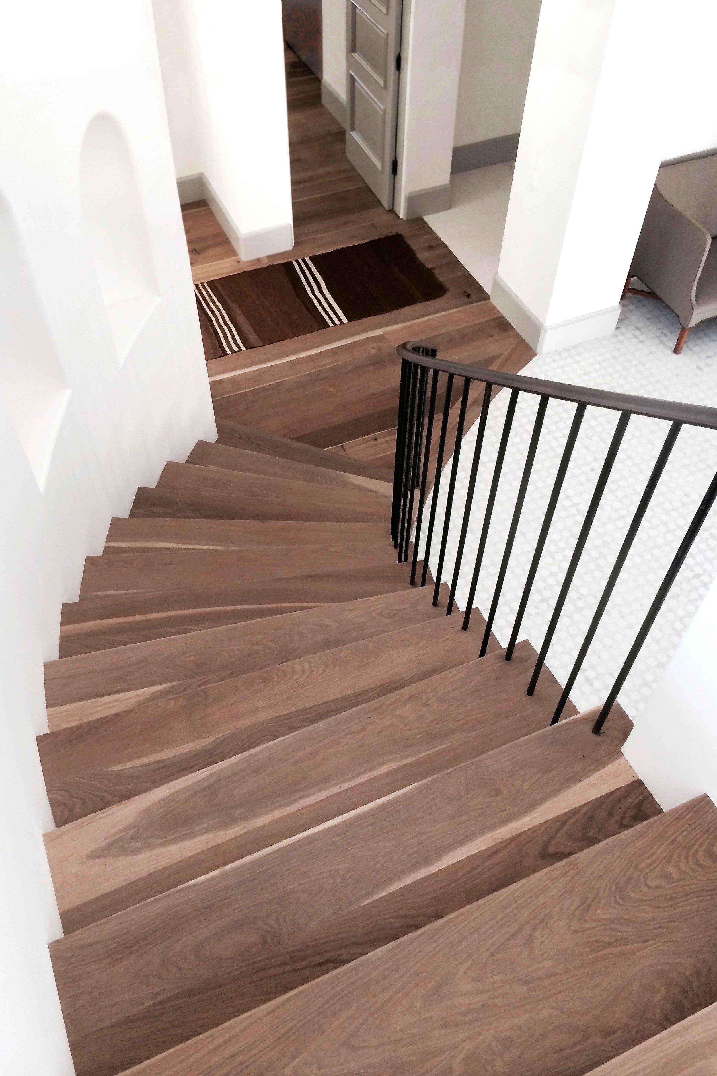 curved stairwell.jpg
