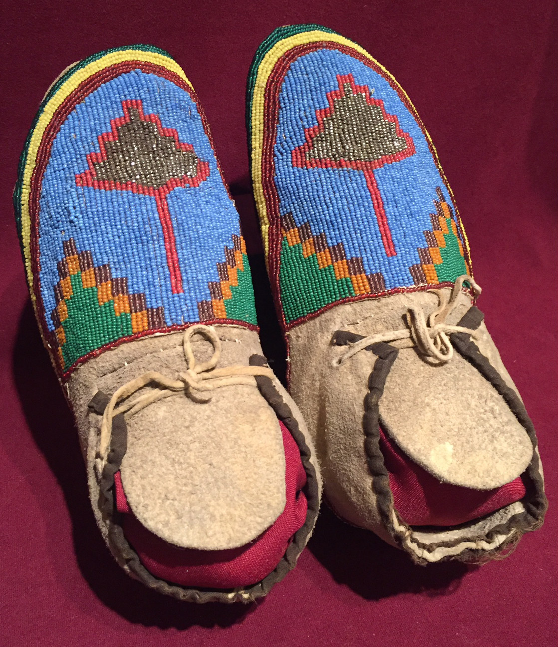 2649 Beaded Moccasins with Abstract Leaf Design.jpg