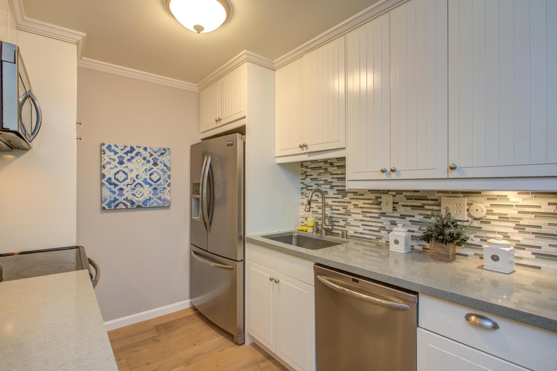 14245 Lora Dr Unit 10 Los-large-012-12-Kitchen-1500x999-72dpi.jpg