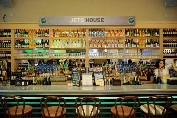 Rums+Puerto+Rico+50+Yard+Lounge+NY+Jets+House+Pbn9SNyZ6ikl.jpg