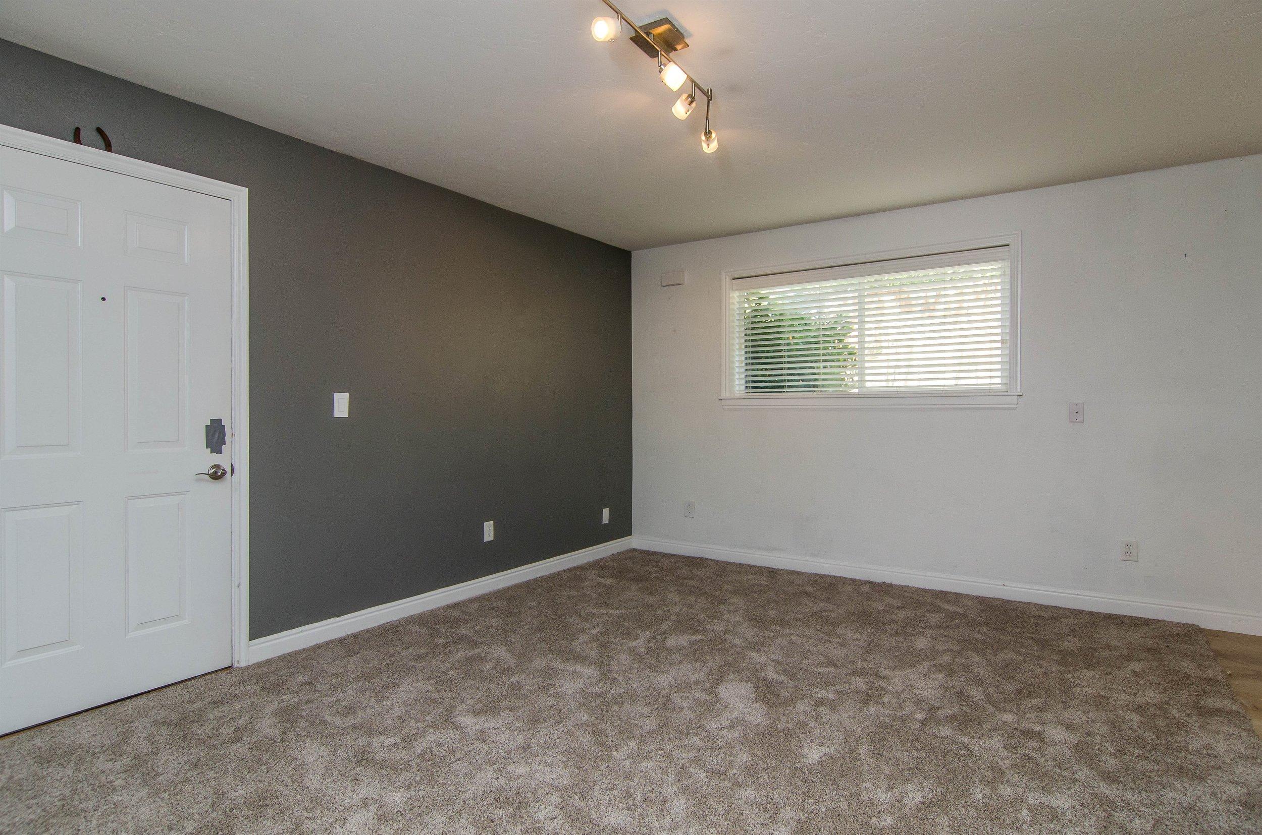 007_Living Room .jpg