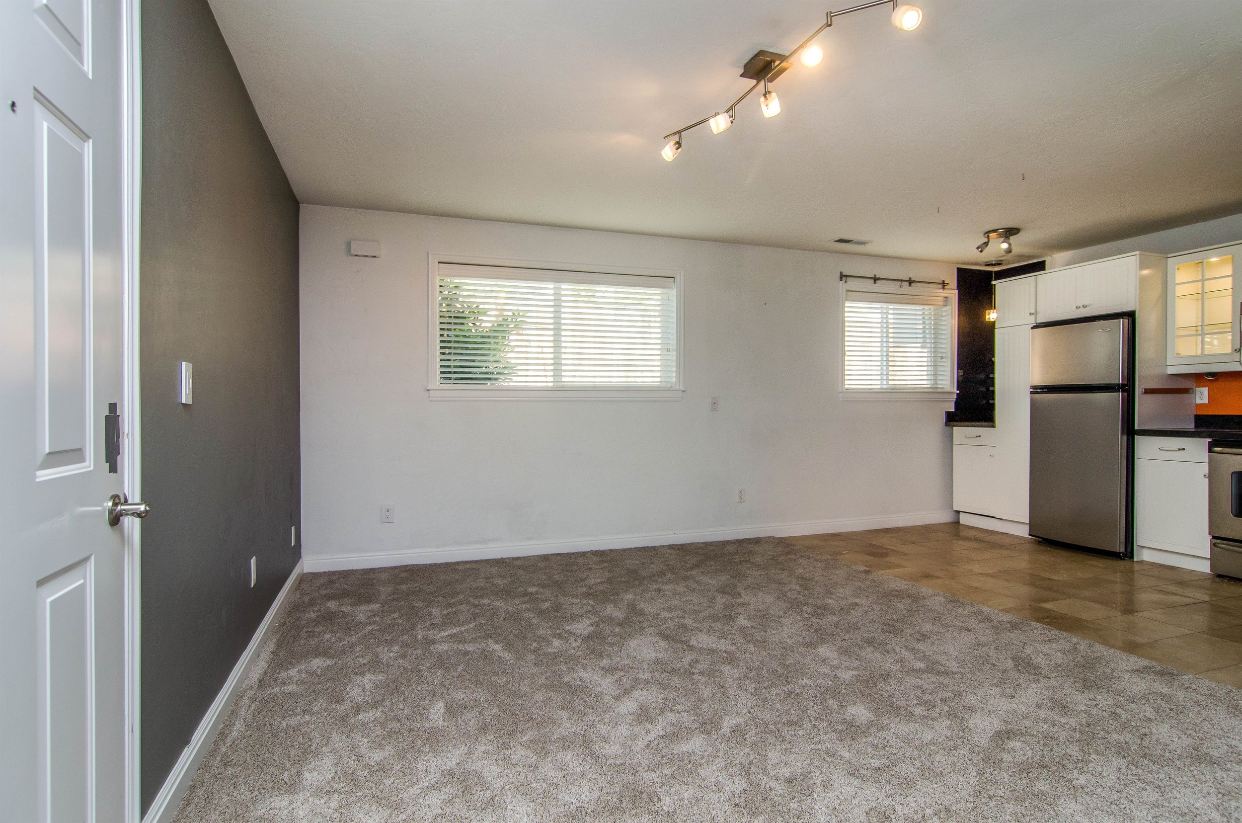 009_Living Room .jpg