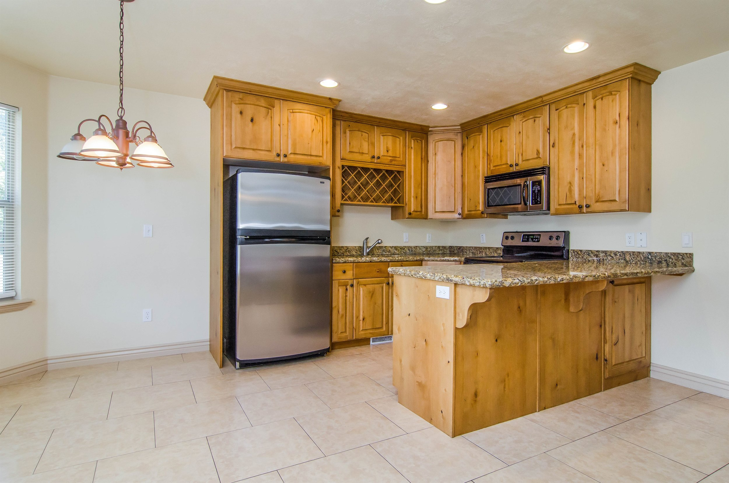 006_Kitchen .jpg