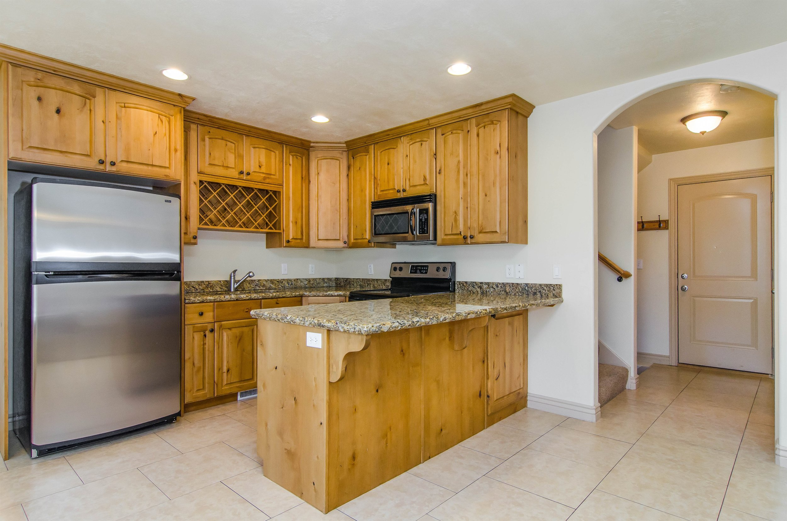 008_Kitchen .jpg