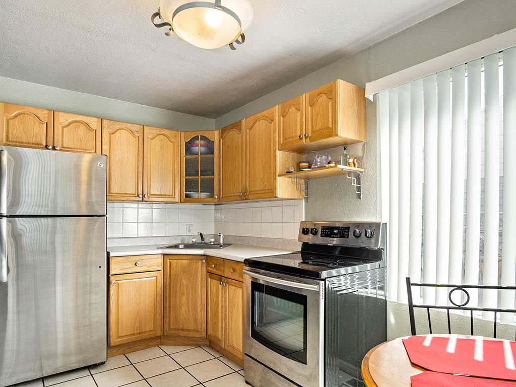 7 kitchen 1.jpg