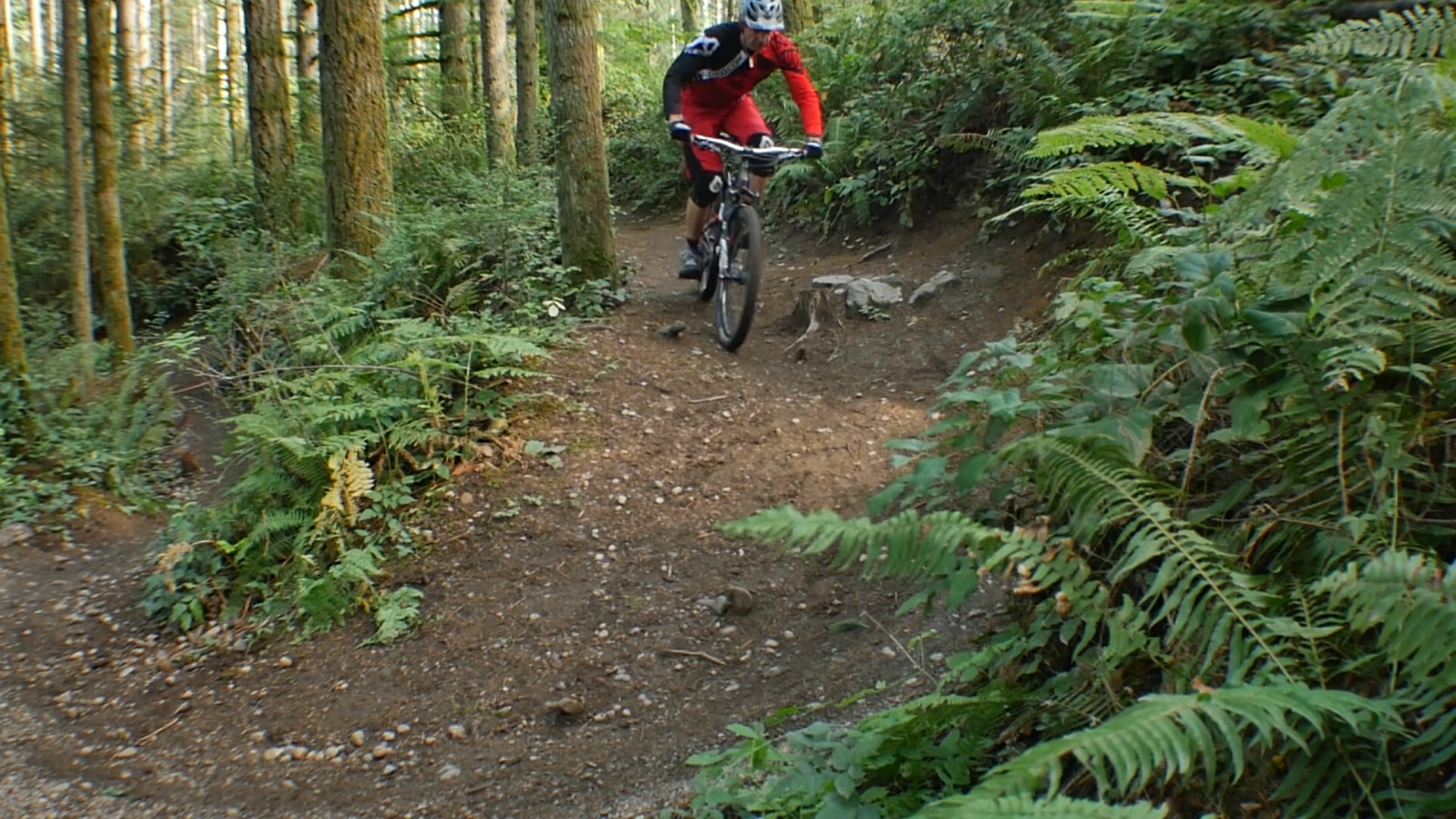 Switchbacks! Here is a tip to help maintain flow in tight corners. Pre-turns are also useful during races to pass another rider or to avoid rocks/roots mid-turn. Watch the free video to learn other ways to use a pre-turn.