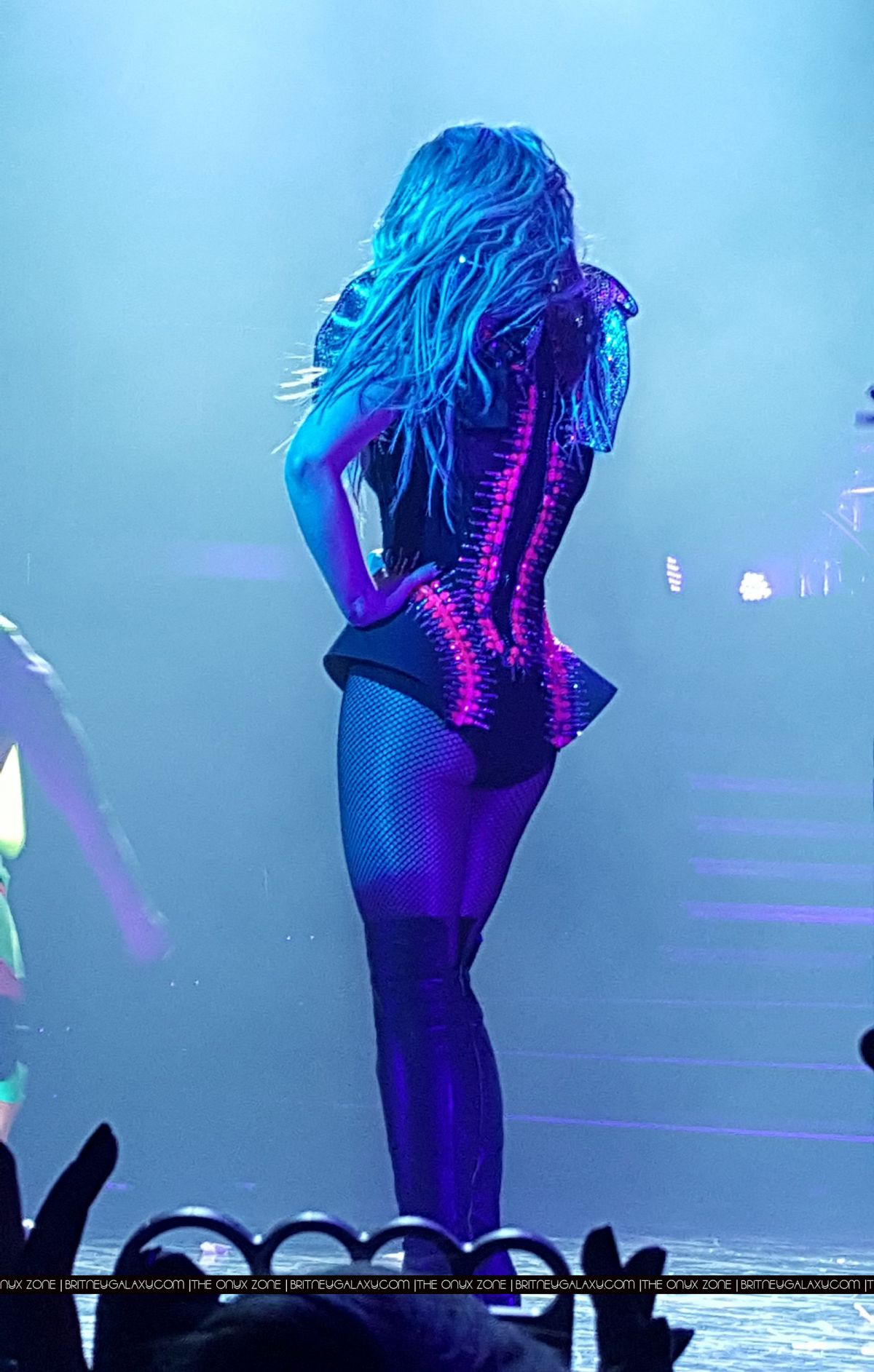 britney-spears-performs-at-piece-of-me-show-in-las-vegas-02-13-2016_7.jpg