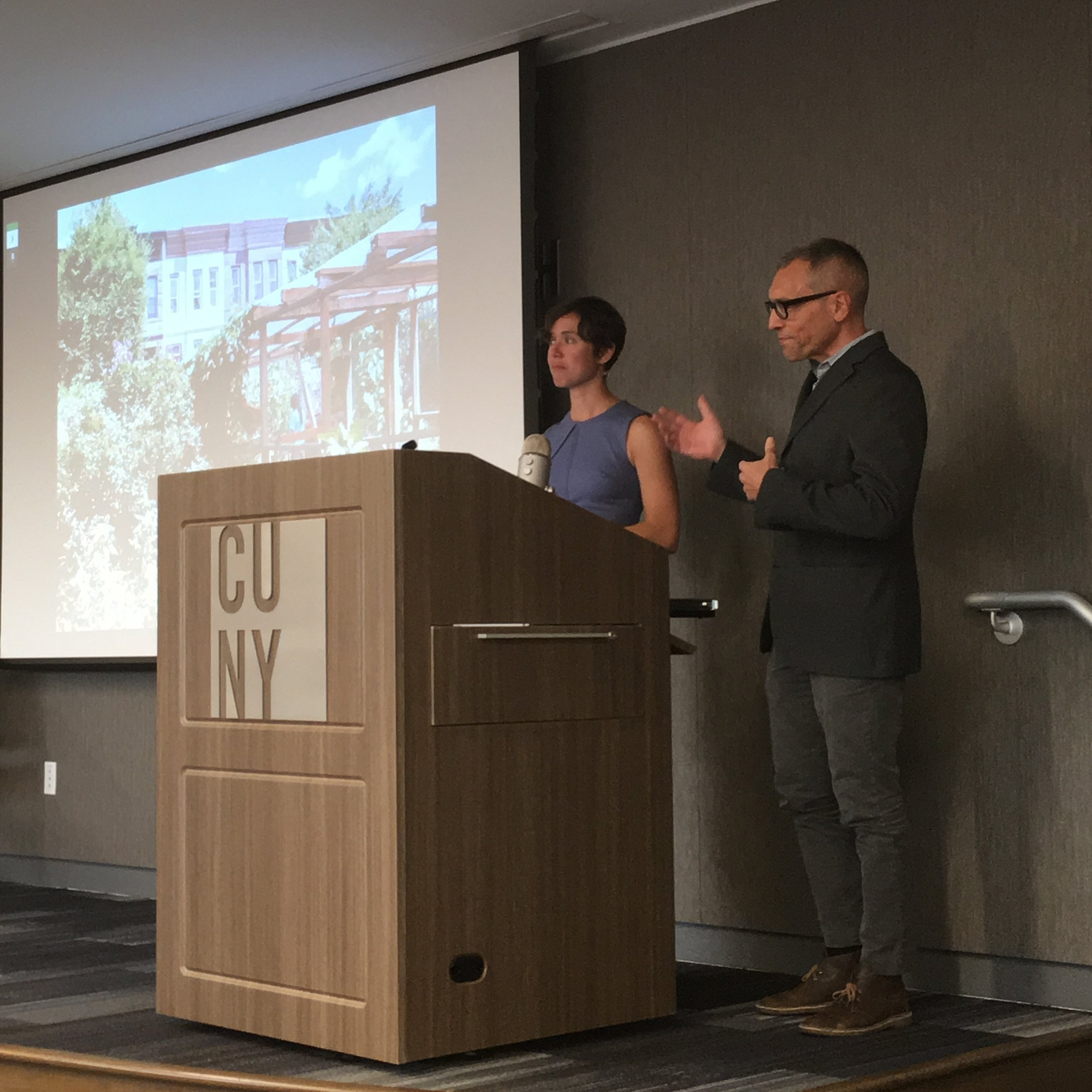 From left: Kristin Reynolds and Nevin Cohen present on October 19, 2016 at the CUNY Graduate School of Public Health and Health Policy