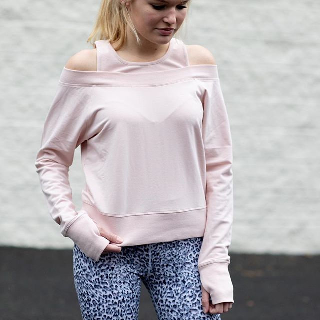Monday mood is cute and comfortable. Sweatshirt by @sundaysnyc and leggings by @varley  #mondaymood#chapelhill#sweatshirtstyle#fashion#local#boutique#sundaysnyc#varley#wearingwhilden