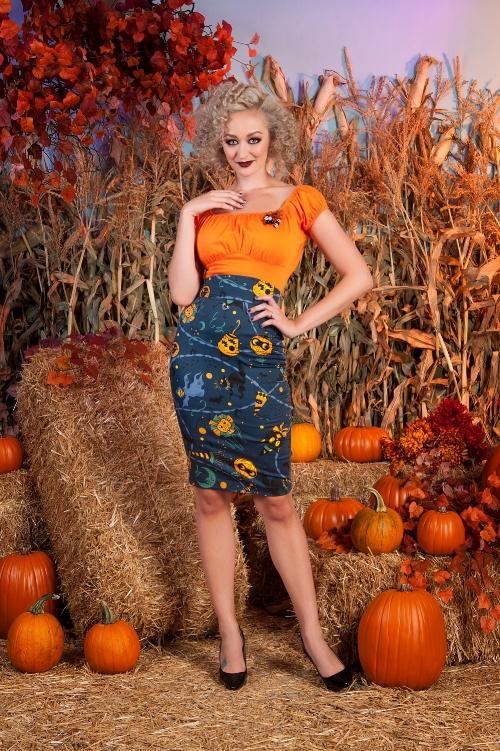 Laura Byrnes California High Waisted Pencil Skirt in Lantern Print, Model:: Rachel Newell