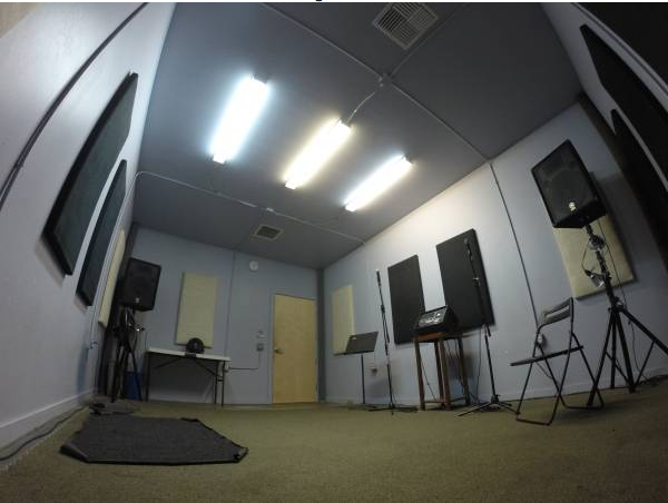 STUDIO .3 - Size - 18.5' x 13'   $17 hr.   Includes: PA system and mics.