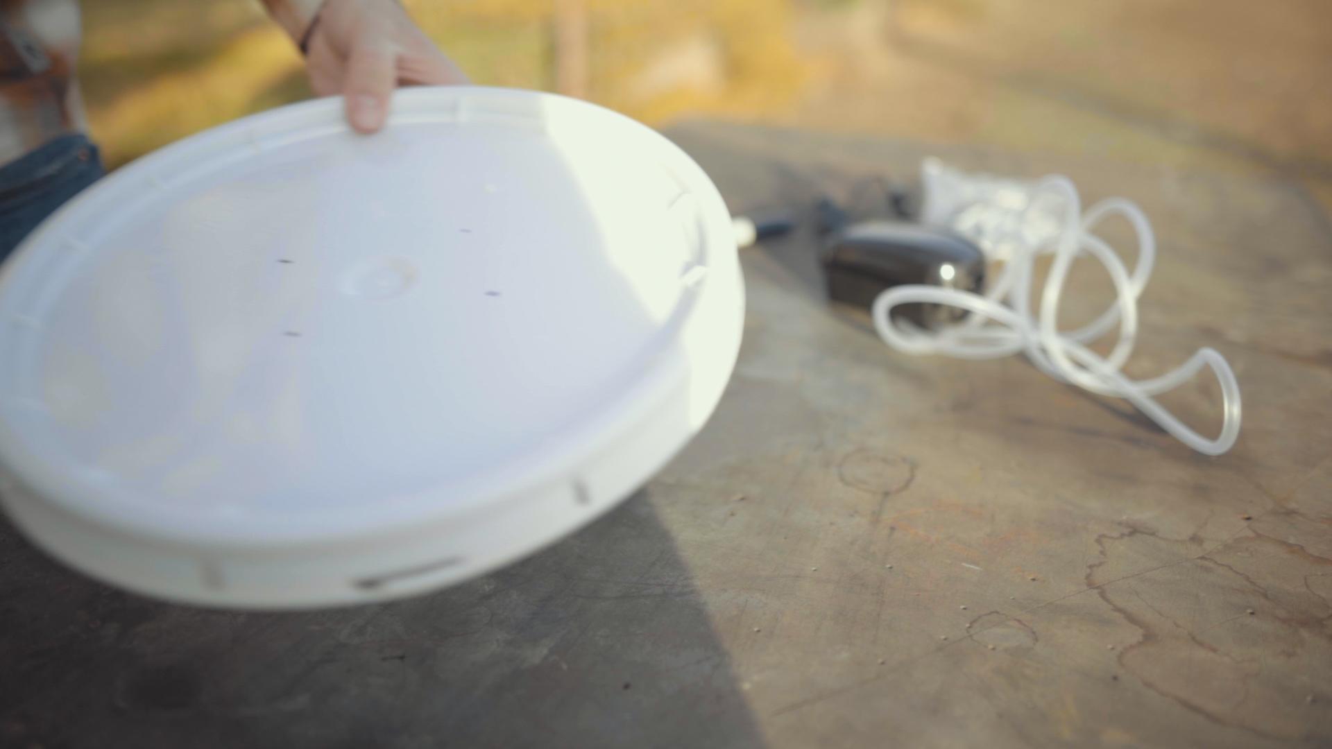 showing lid holes 2.jpg