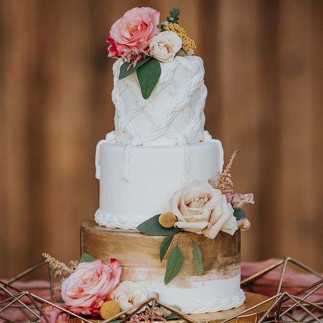 I feel like the cake shots are just kinda obligatory at this point. The tail-end of this pregnancy's got me daydreaming about aaaaall the food. No cravings. Just non stop hunger 😂 And THIS lovely sweet thang above had the honor of being featured in @greenweddingshoes this past week. What an overachiever. Did you catch the whole feature? (It's not too late!) ⠀⠀⠀⠀⠀⠀⠀⠀⠀ Anyhoo, today is baby shower day and I can't wait! It's really just an excuse to get together with family and friends and eat all the tacos and tajin spiced popsicles we can get our hands on. I'm so lucky to have so many wonderful people pulling this shindig together so check out my stories later for all the taco-themed fiesta fun. 🌮 ⠀⠀⠀⠀⠀⠀⠀⠀⠀ Photographer | @angieandmarko Stationery | @handsofhollis Calligraphy | @wordsmadesemple Bride | @imlaurenallen Groom | @nathangwaters Hair + Makeup | @mistibluday Dress | @siradpion Cake | @annahightower Signage | @chicsigndesigns Florist | @fernandcurldesigns Ring | @rawbyoliviamar Decor | @flockdecor Ring box | @thevelvetgardenringbox Video | @uptownandmore Venue | @theedisonweddingsevents ⠀⠀⠀⠀⠀⠀⠀⠀⠀