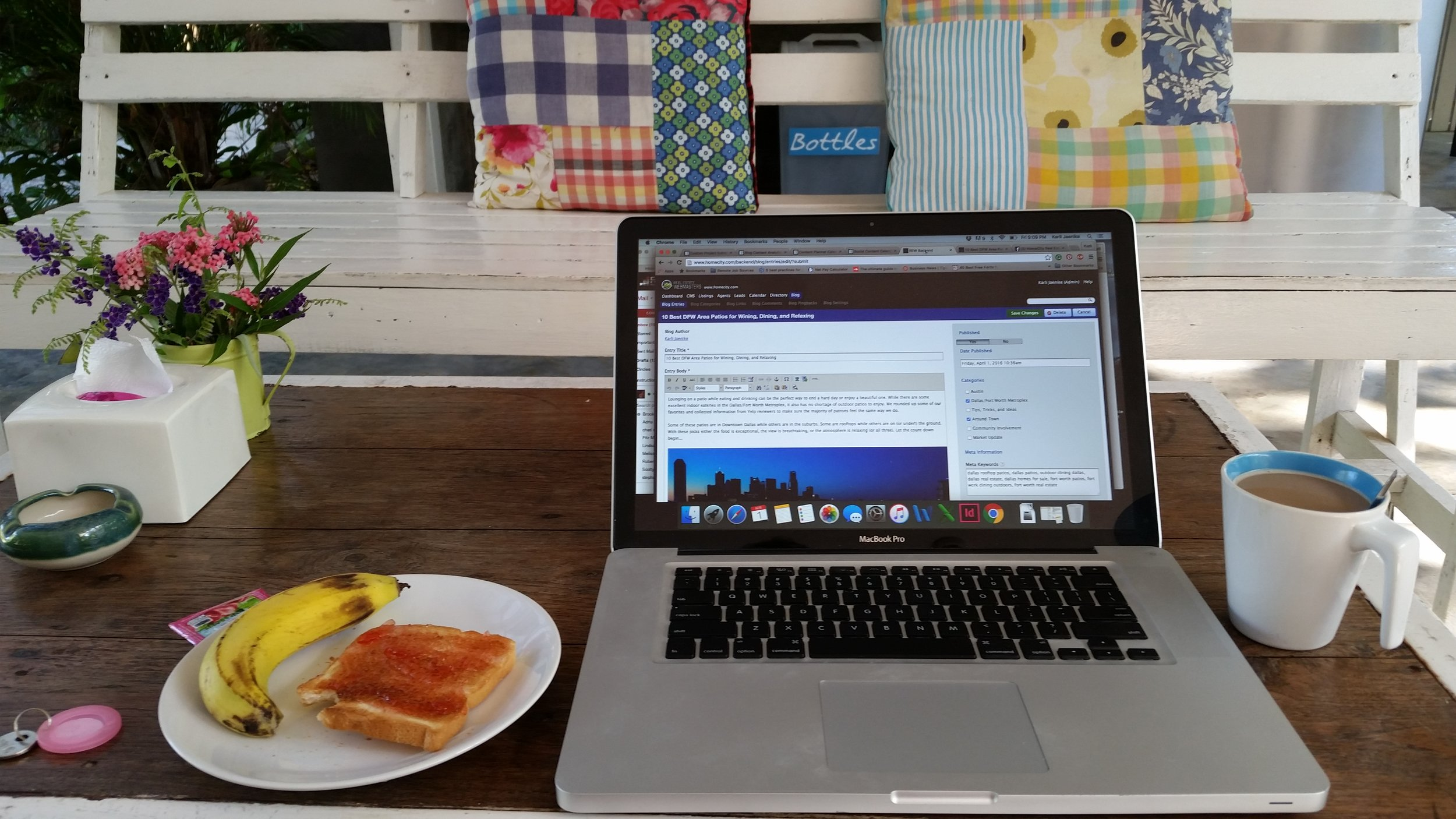 My working setup at Glur Hostel. The perfect place to relax!