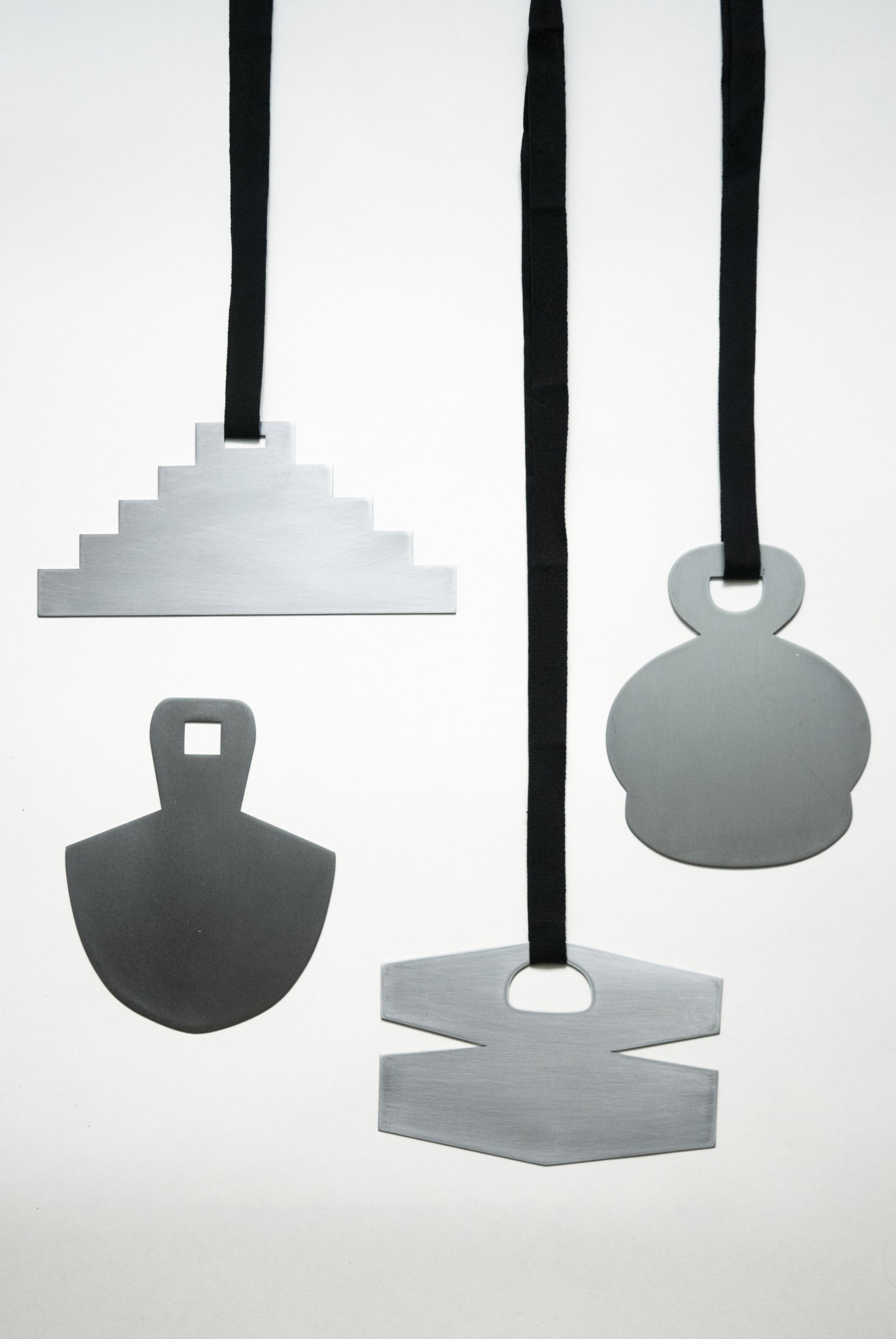 Ferro / Iron (large pendants)