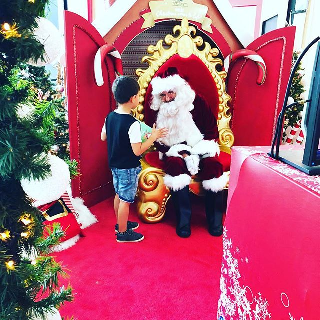 Getting right down to business #yarn . . . #santavisit #nicelist #alliwantforchristmas #hohoho #fullyloadednz #mumlife