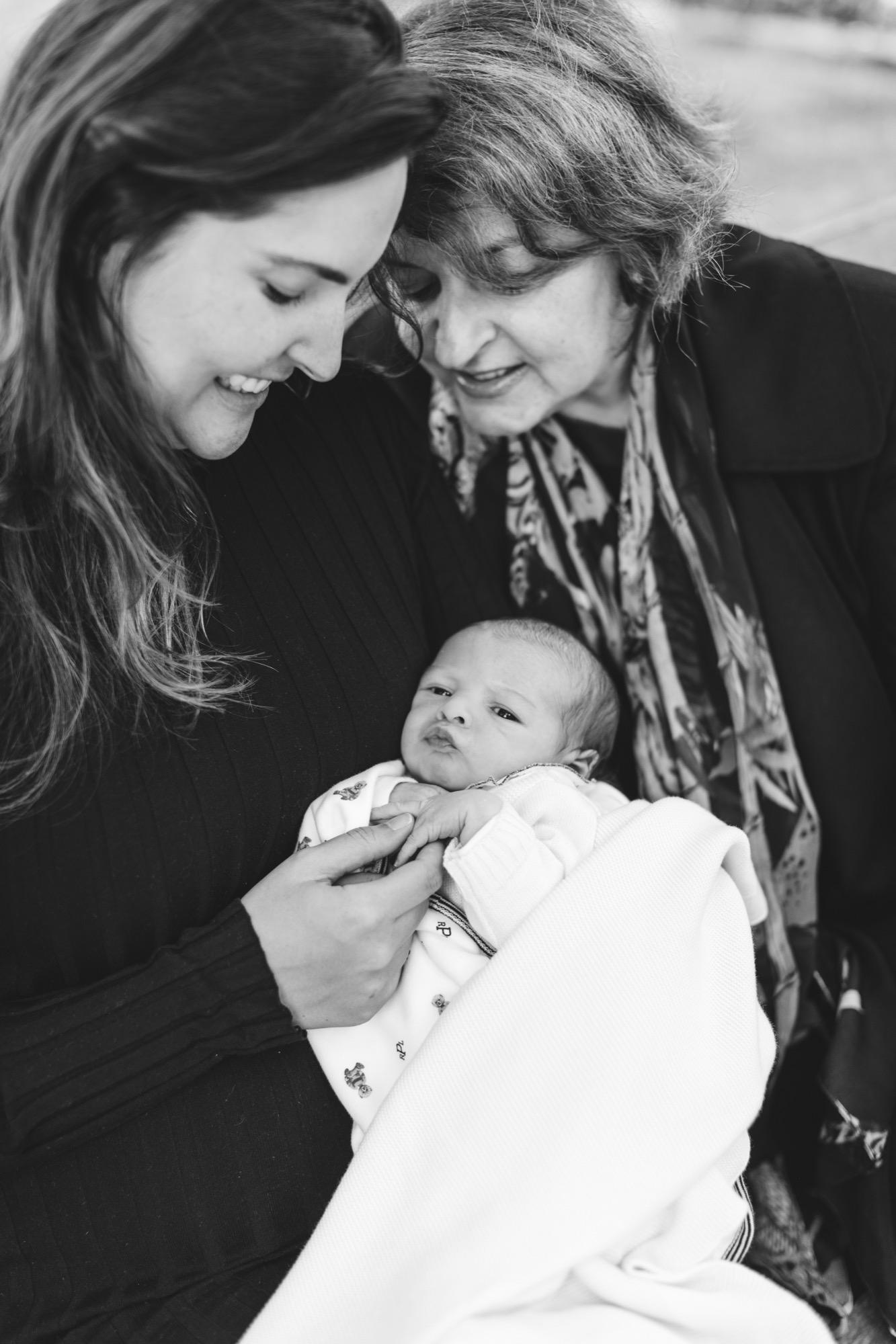 @DaniellePhotographySA_NYC_newborn_Tonia&Marcelo-112.jpg