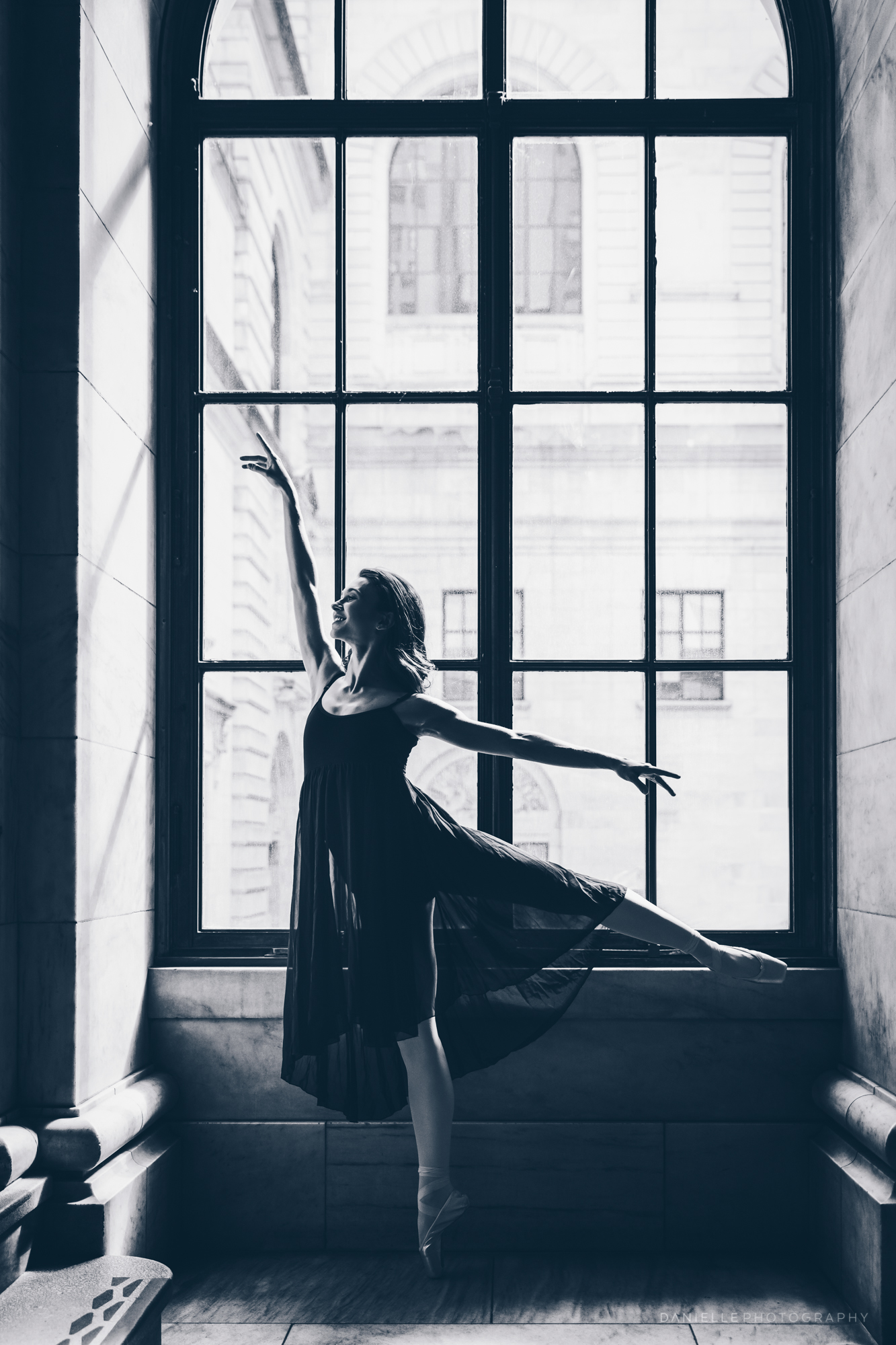 @DaniellePhotographySA_Ballerina_Photoshoot_NYPL-23-3.jpg