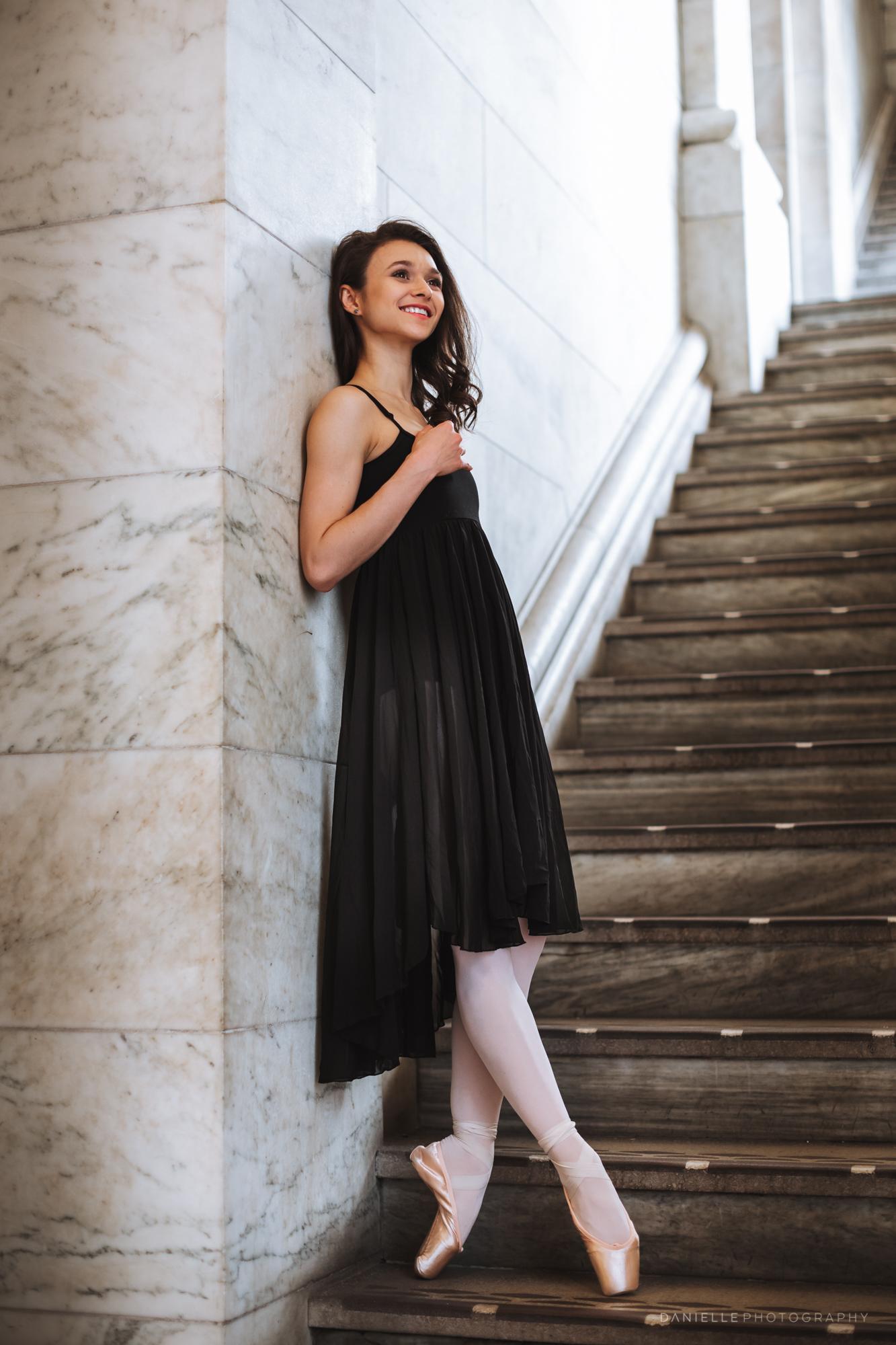 @DaniellePhotographySA_Ballerina_Photoshoot_NYPL-23-12.jpg
