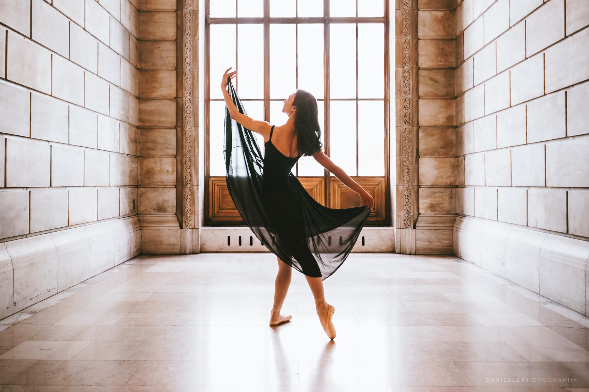 @DaniellePhotographySA_Ballerina_Photoshoot_NYPL-23-26.jpg