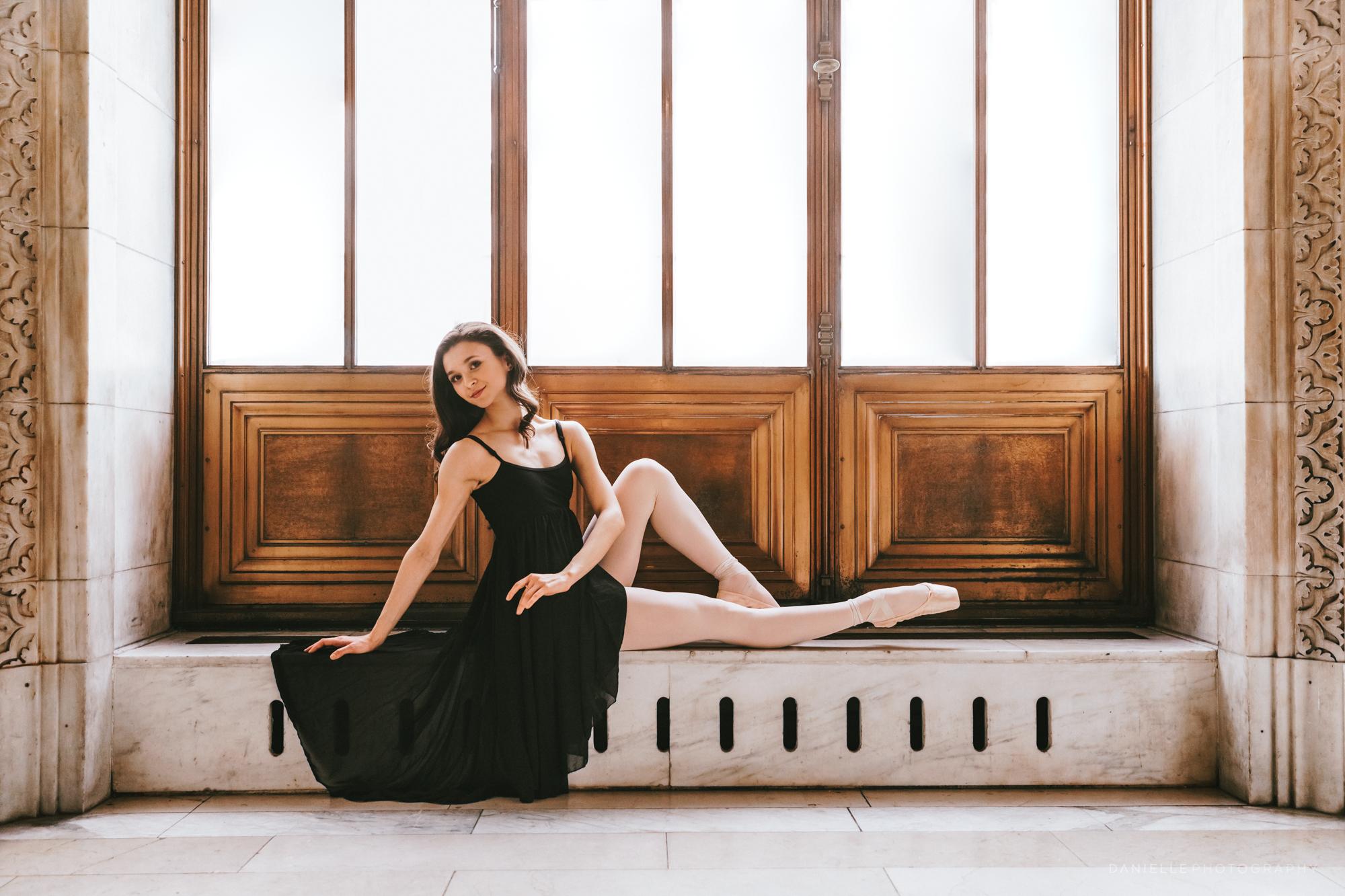 @DaniellePhotographySA_Ballerina_Photoshoot_NYPL-23-27.jpg