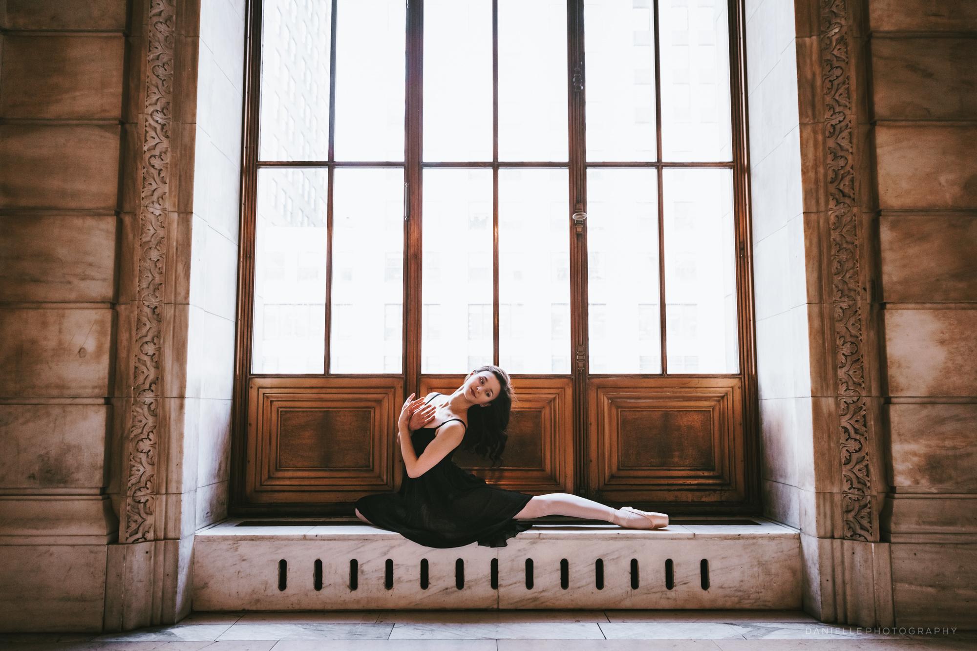 @DaniellePhotographySA_Ballerina_Photoshoot_NYPL-23-30.jpg