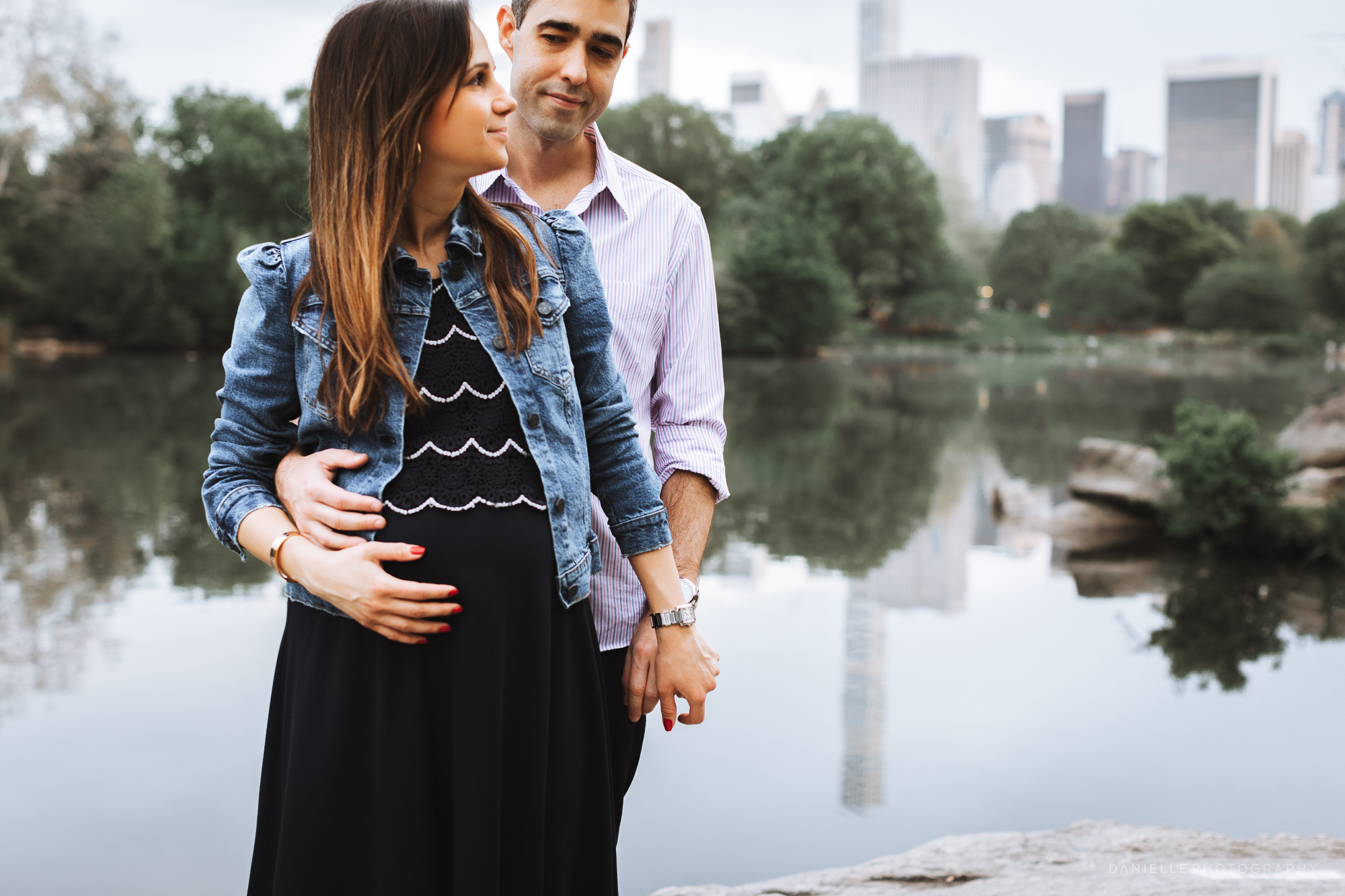 @DaniellePhotographySA_Maternity_Photos_New_York_Central_Park-108.jpg