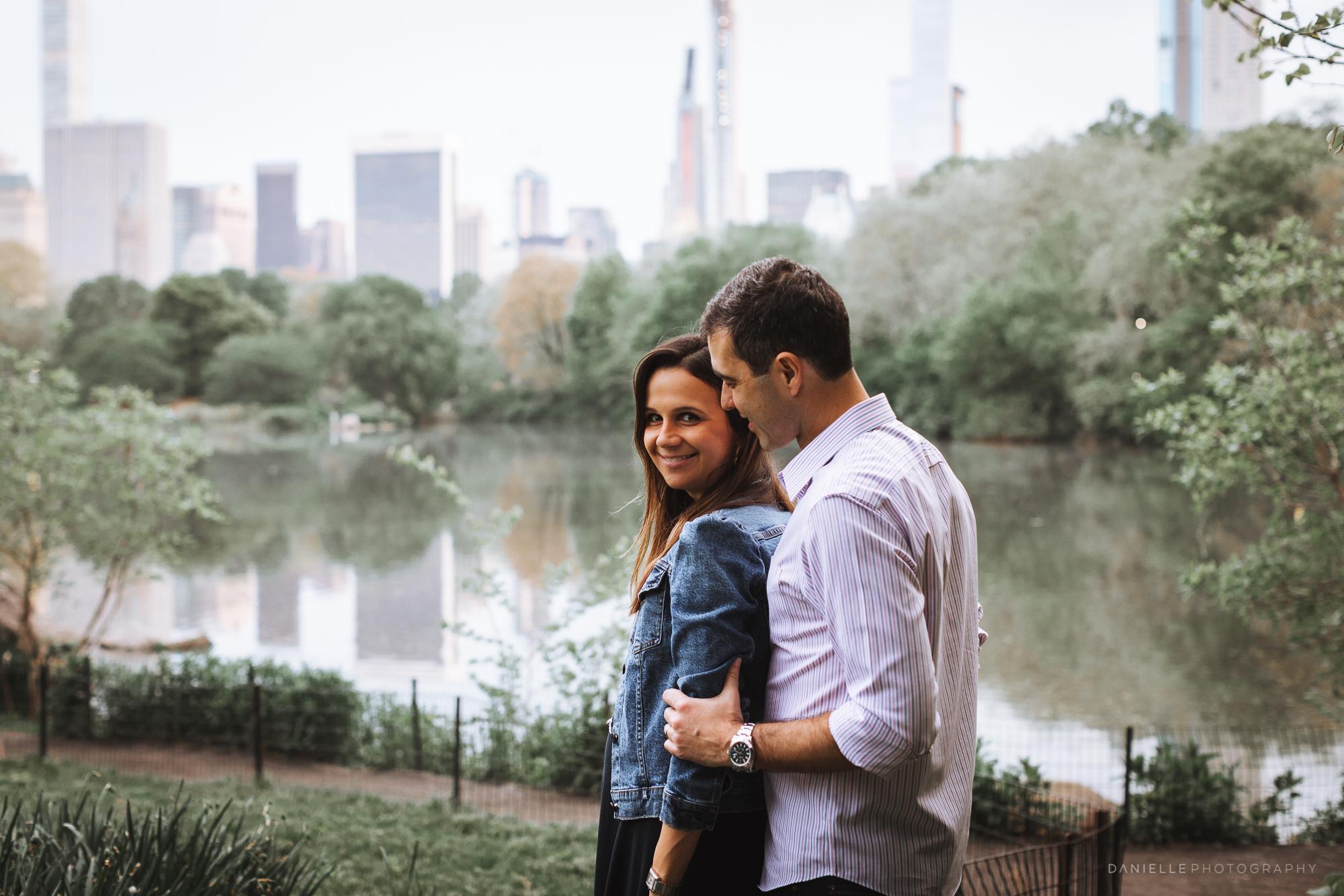 Maternity Photos in Central Park by @DaniellePhotographySa